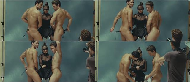 muscle guys dance nude in Spanish movie